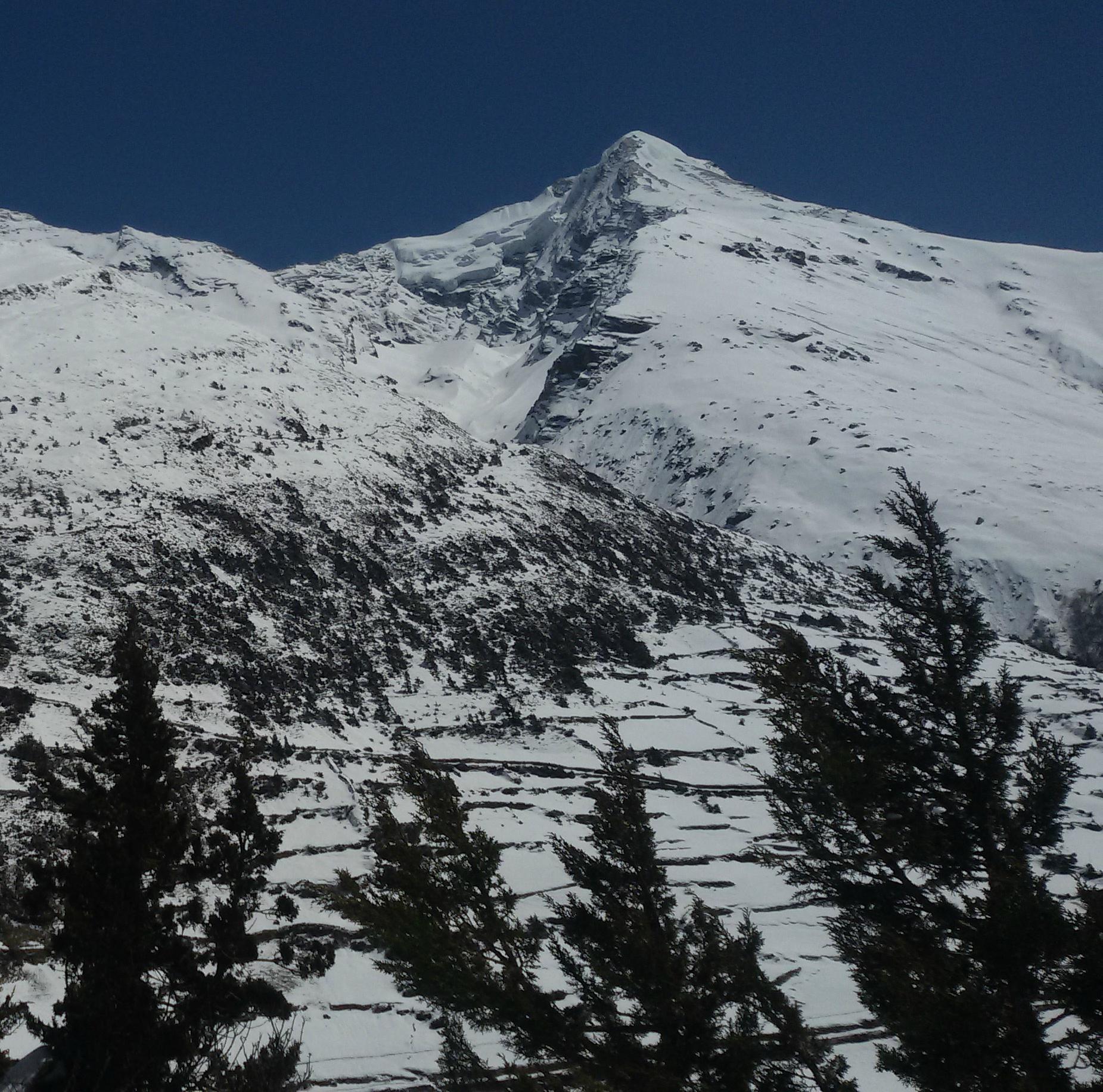 4. Pisang Peak Climbing